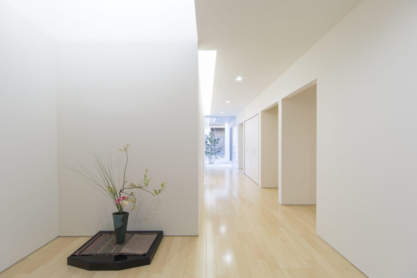 MOLSの趣味の共有ができる廊下実例写真