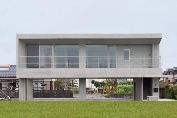 ピロティのある家イメージ写真