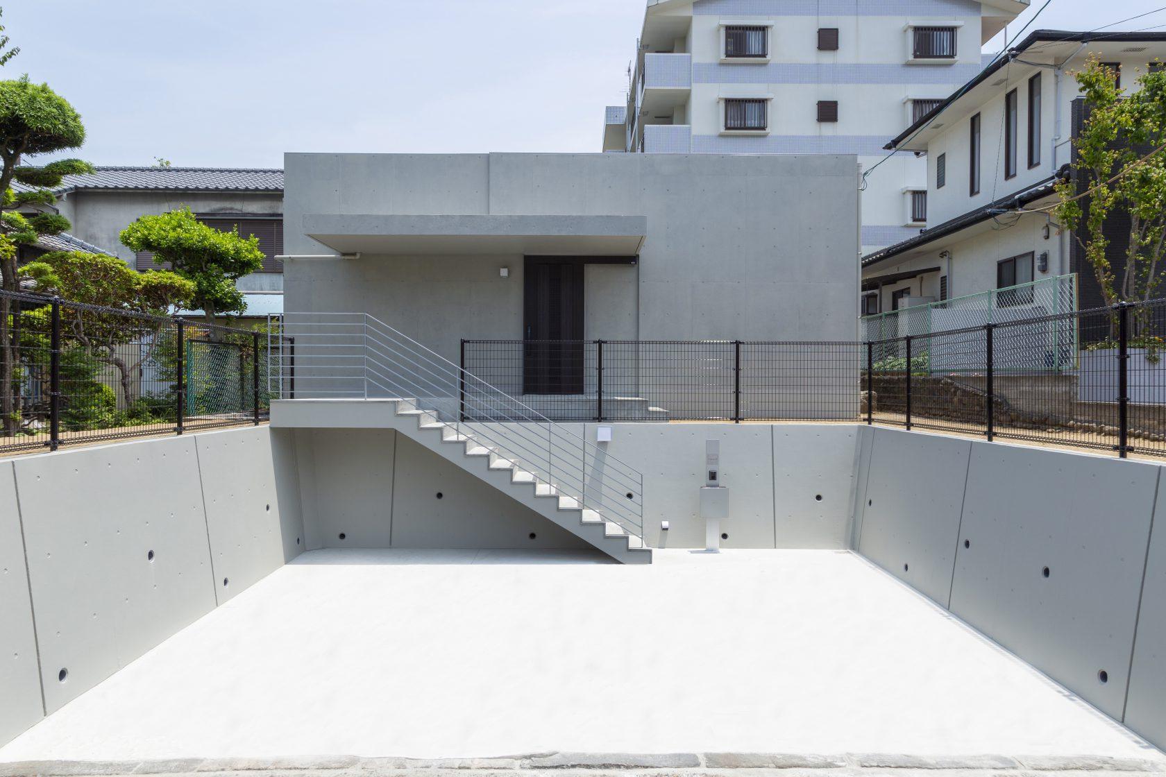 シンプルに暮らすコンクリートの平屋